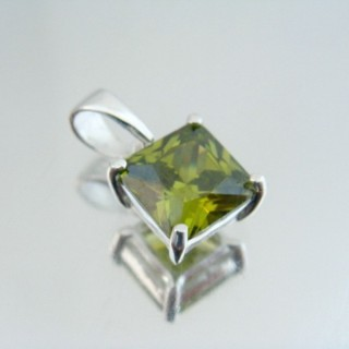 24447-5 SILVER PENDANT WITH SQUARE 8 MM GLASS STONE