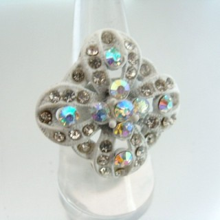 24579-318 ADJUSTABLE FASHION JEWELRY RING WITH GLASS