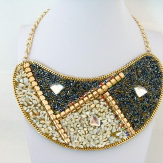 25117-04 BIB NECKLACE MADE WITH VARIOUS EMBELLISHMENTS