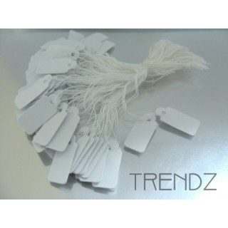 23012 PACK OF 500 PAPER TAGS WITH STRING SIZE: 10 X 18 MM