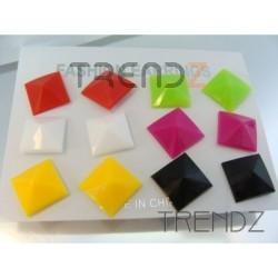 6725 PACK OF 6 PAIRS OF PLASTIC EARRINGS