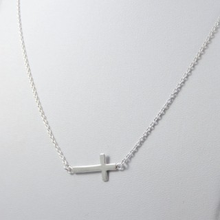 52004 SHORT STERLING SILVER CROSS SHAPED NECKLACE