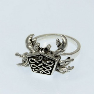 28926-17 STERLING SILVER RING WITH CRAB SIZE 17