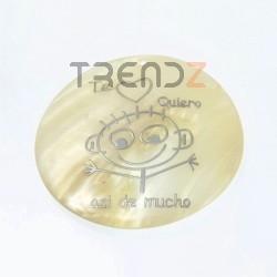 29169-10 ROUND 50 MM SHELL PENDANT WITH TE QUIERO