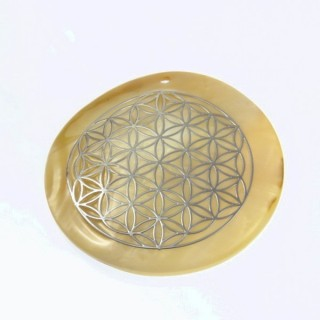 29169-15 ROUND 50 MM SHELL PENDANT WITH FLOWER OF LIFE