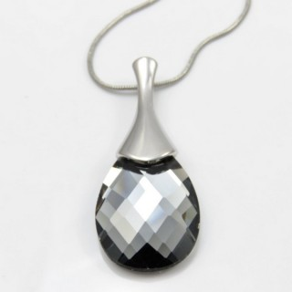 29674 FACETED GLASS RHODIUM PLATED NECKLACE