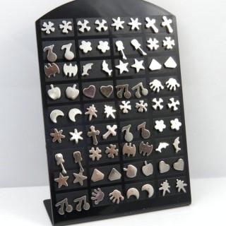 30685 STAND OF 36 PAIRS OF ASSORTED STEEL EARRINGS