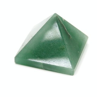 32257-17 GREEN AVENTURINE NATURAL STONE PYRAMID WITH 2 TO 3 CM BASE