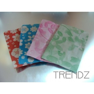 FL64 100 PAPER ENVELOPES FLOWER PRINT 6 X 9 CM