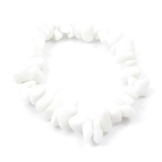 32994-17 ELASTIC NATURAL STONE CHIP BRACELET IN WHITE JADE