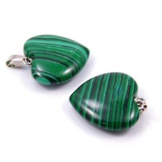 33740-06 PACK OF 2 HEART SHAPED 20 MM STONE PENDANTS IN SYNTHETIC MALACHITE