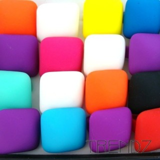 18880-3 BOX OF 24 FLUORESCENT COLOURED RINGS