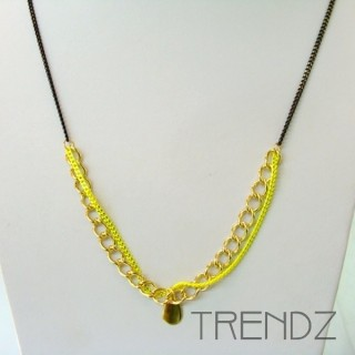 19526-08 LONG GOLDEN NECKLACE WITH VARIOUS CHAINS