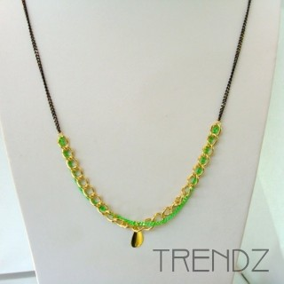 19526-10 LONG GOLDEN NECKLACE WITH VARIOUS CHAINS