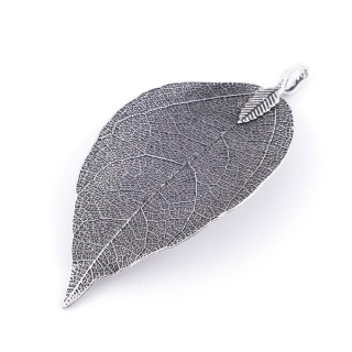 36151-12 FASHION JEWELLERY METAL LEAF SHAPED 58 X 36 MM APPROXIMATE SIZED PENDANT
