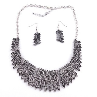 36260-12 METAL FASHION JEWELRY NECKLACE WITH OR WITHOUT EARRINGS