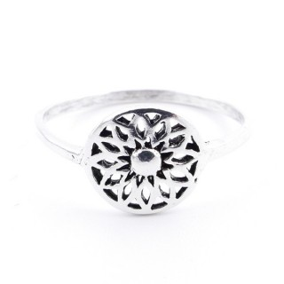53046-18 STERLING SILVER RING WITH 9 MM MANDALA. SIZE 18