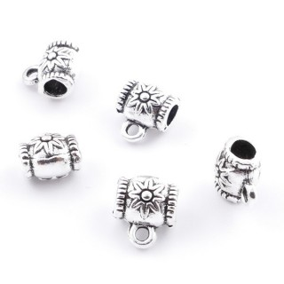 36214-05 PACK OF 18 METAL CHARMS WITH JUMP RINGS 8 X 6 MM & 3 MM HOLE