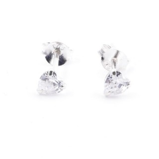 51069 SILVER POST EARRINGS WITH 4 MM HEART SHAPED GLASS STONE