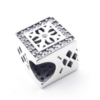 37965 SQUARE SHAPED SILVER BRACELET CHARM WITH ZIRCONS 9 X 9 MM