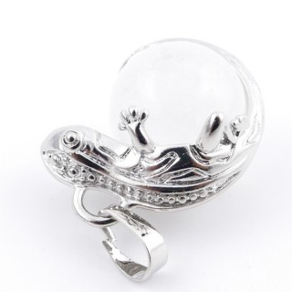 37312-01 IGUANA SHAPED METAL PENDANT WITH 16 MM MINERAL BEAD IN WHITE QUARTZ