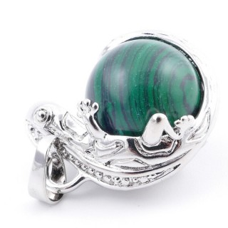 37312-06 IGUANA SHAPED METAL PENDANT WITH 16 MM MINERAL BEAD IN SYNTHETIC MALACHITE