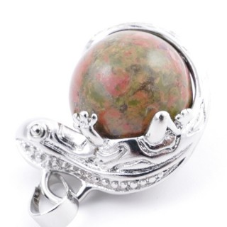 37312-20 IGUANA SHAPED METAL PENDANT WITH 16 MM MINERAL BEAD IN UNAKITE