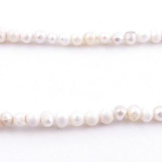 36112 32 CM LONG STRING OF 3-4 MM FRESHWATER PEARLS