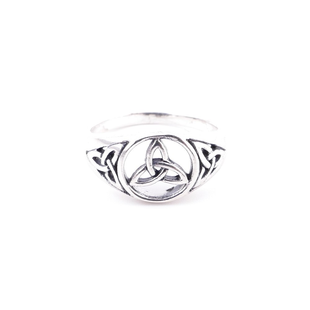 50191-16 STERLING SILVER 10 MM RING WITH TRIQUETA SIZE 17