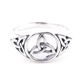 50191-16 STERLING SILVER 10 MM RING WITH TRIQUETA SIZE 19