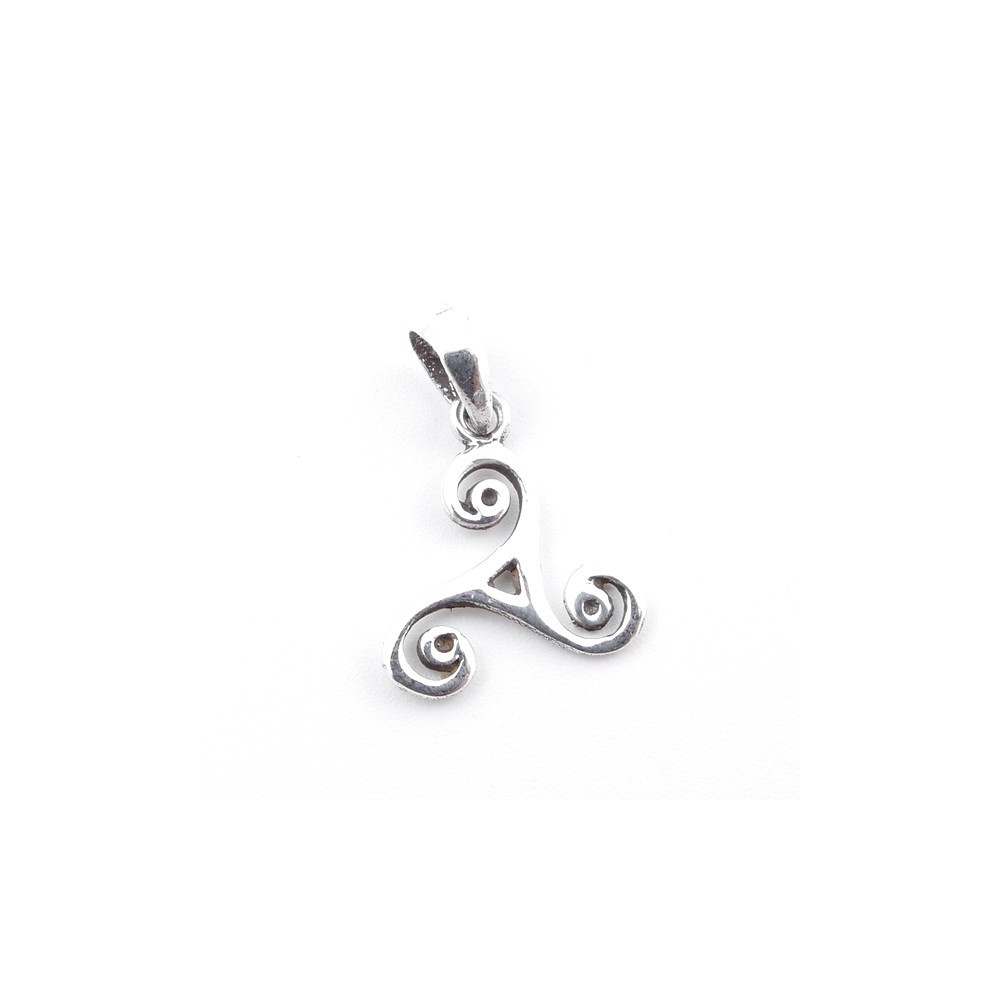 55314 STERLING SILVER 14 X 13 MM TRISQUEL SHAPED PENDANT