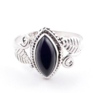 58616-17 STERLING SILVER 13 X 8 MM RING WITH ONYX SIZE 17