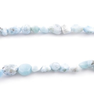 4998600 40 CM STRING OF PEBBLE SHAPED BEADS IN LARIMAR