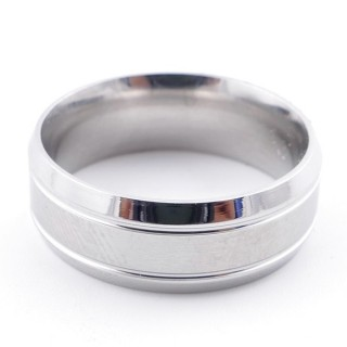 4919100 PACK OF 12 STAINLESS STEEL RINGS IN ASSORTED SIZES 8 MM