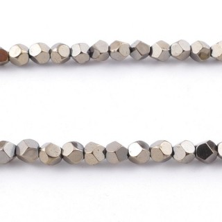 42648-13 40 CM STRING OF 4 MM OCTAGONAL SHAPED HEMATITE BEADS