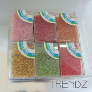 19612 PACK OF 12 BOXES OF COLOURED SMALL BEADS